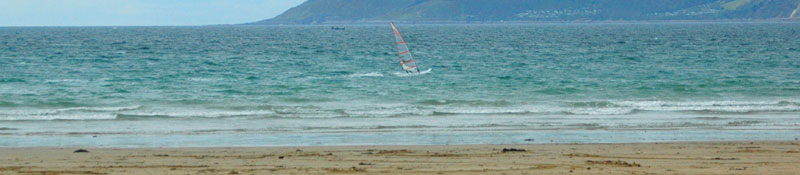 windsurfing at bigbury beach